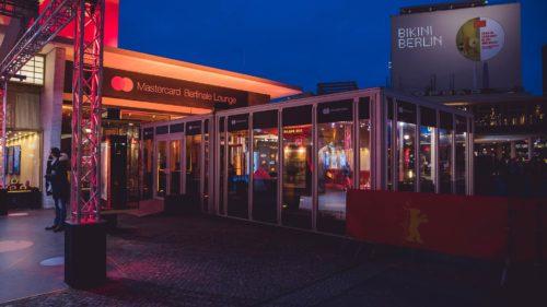 Mastercard-Lounge-zur-Berlinale-am-Zoopalast-Berlin_POS-Werbeproduktion