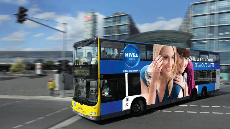 bus_ganzbelegung_01_pos-werbeproduktion-berlin