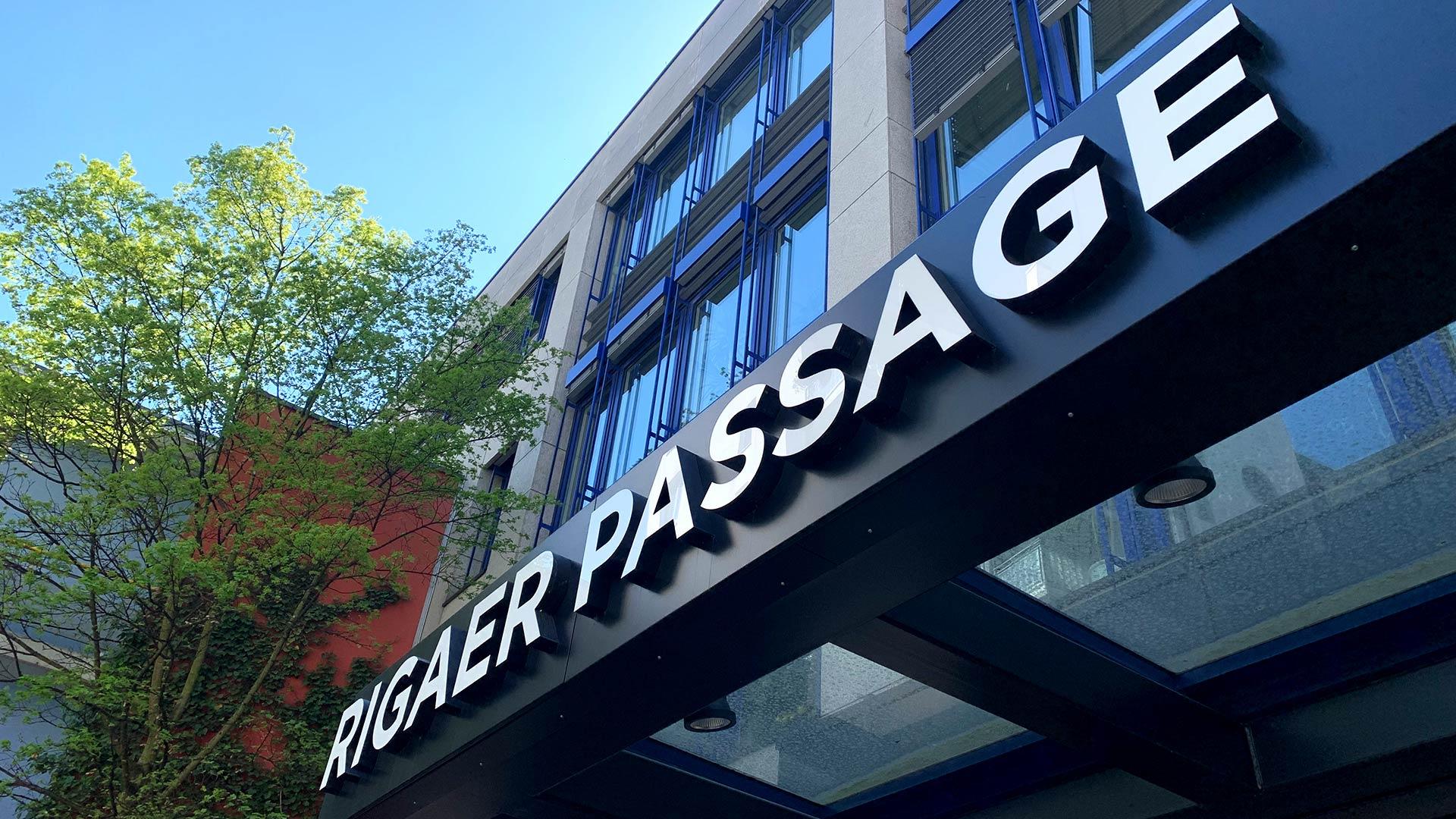 Passage Rigaer Strasse - Neues Wegeleitsystem