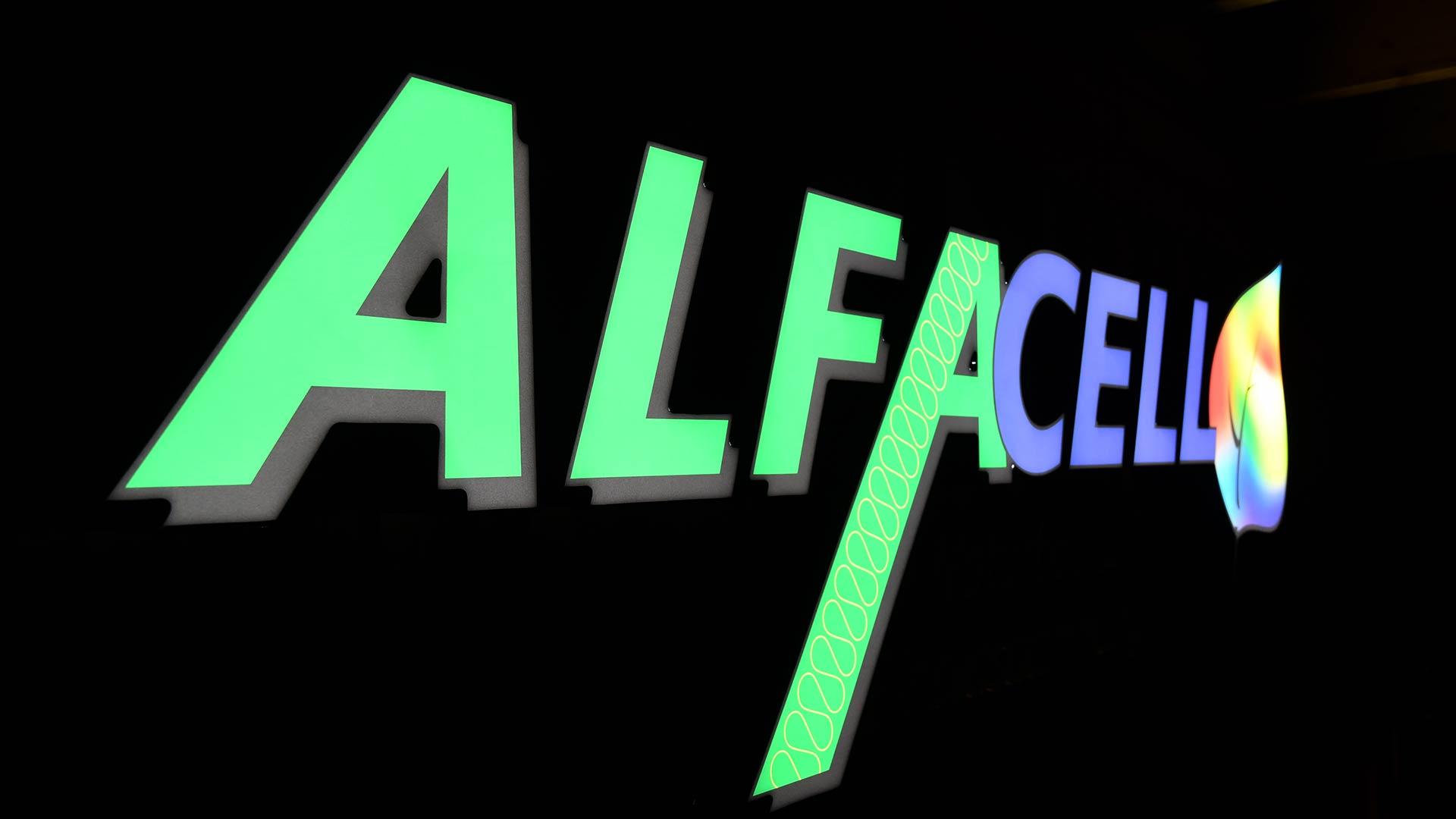 LED beleuchtetes Reklameschild, Reliefbuchstaben im Profil 5